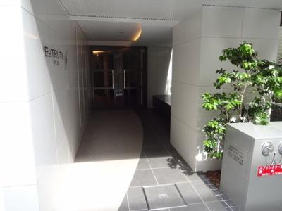 【エントランス】エストゥルース入谷