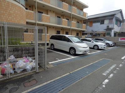 【駐車場】ロワール稲葉