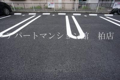【駐車場】シーズンリッチヒルズⅡ