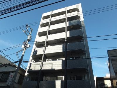2014年12月築。鉄筋コンクリート8階建