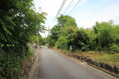 売り土地と前面道路