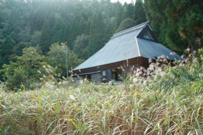 建物外観別角度、周辺の自然環境も確認いただけます。