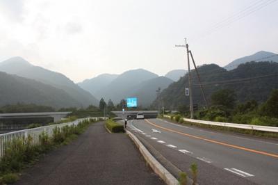 湖西バイパス「志賀IC」まで車で約5分。