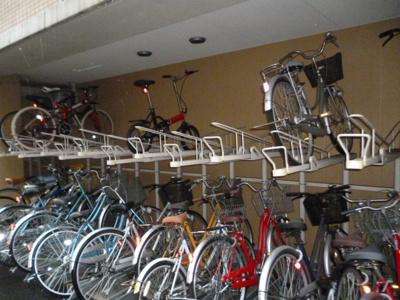 プリモ・レガーロ町田の駐輪場