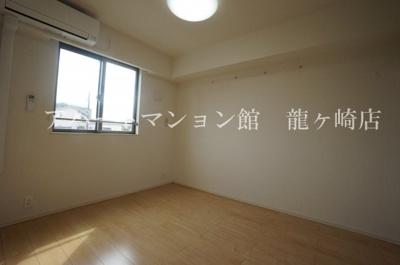 【洋室】アンジュ寺後