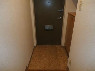 アインズコート稲毛小中台プライムコートの玄関