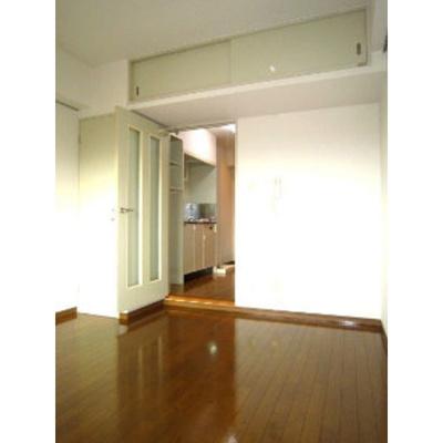 大塚ビル2の洋室