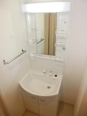 リブリ・マシェリの独立洗面台