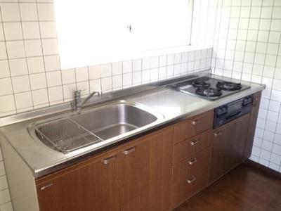 秋山邸のキッチン2