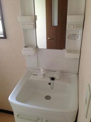 秋山邸の独立洗面台