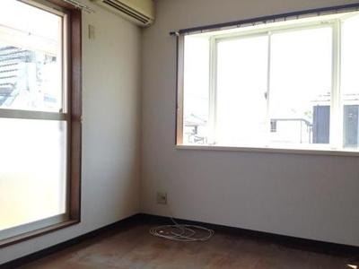 秋山邸の洋室