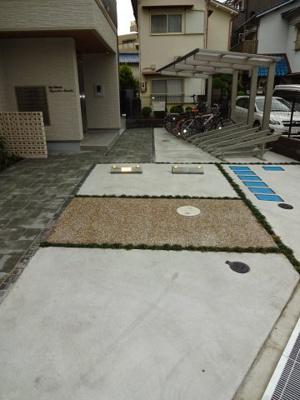 【駐車場】シャーメゾン豊中赤阪