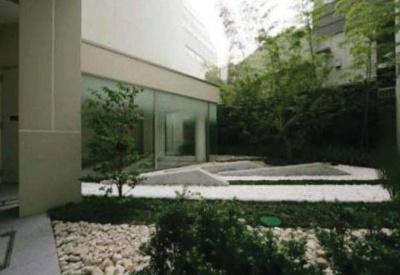 六本木エムケイアートレジデンス 外観・中庭