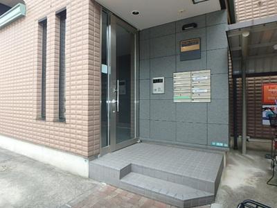 【エントランス】ドーミトリー田中