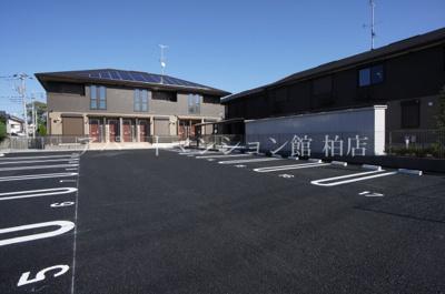 【駐車場】サイドガーデン南増尾B棟