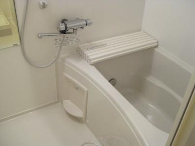 【浴室】ホワイトキューブ