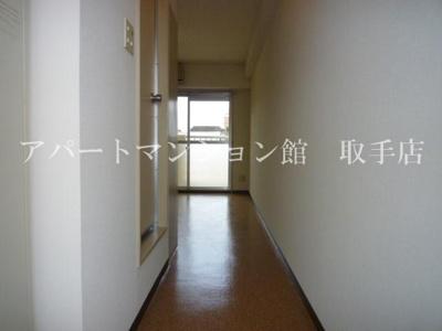 玄関入口から撮影