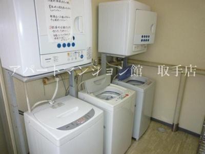 無料で使える共用洗濯機!