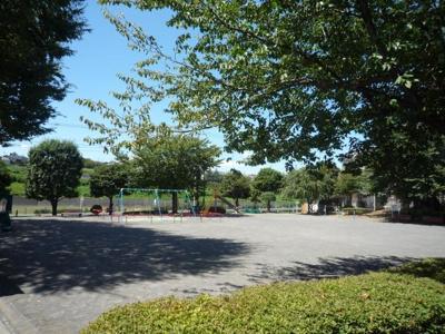 緑園稲荷谷公園