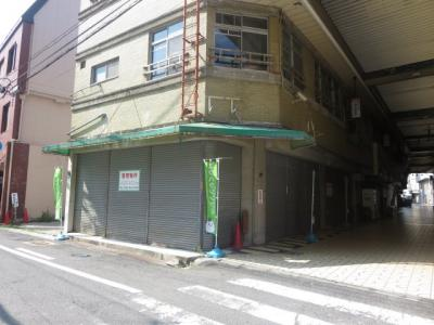 【外観】ロードイン和泉 角地店舗ビル一棟貸し