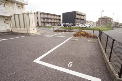 【駐車場】レオパレスしるびあ