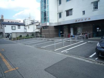 【周辺】東パネビル駐車場