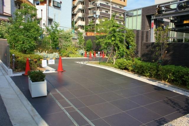 落ち着いた雰囲気の上野芝のマンションです