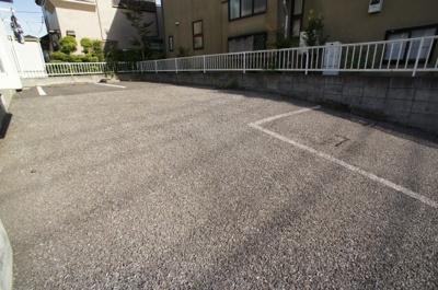 【駐車場】フロンティア