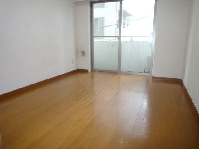 家具の配置がしやすそうなお部屋の形です。