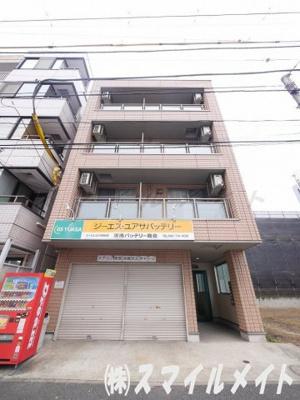 パナホーム施行、鉄骨造4階建てのマンションです。