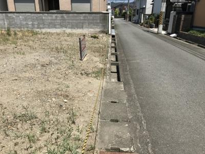 【前面道路含む現地写真】【売地】由良中学校区・56028