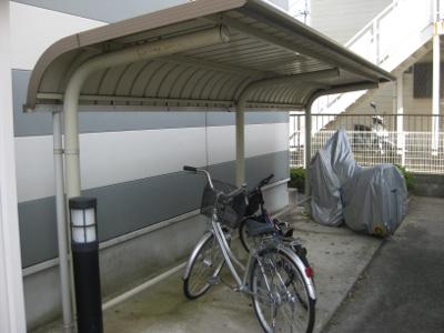 屋根付駐輪場(無料)
