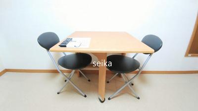 折り畳み式テーブル・椅子付き