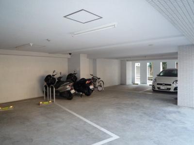 【駐車場】アクシーズタワー川口幸町Ⅱ