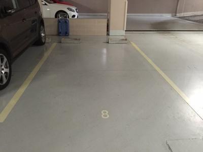 地下平面駐車場