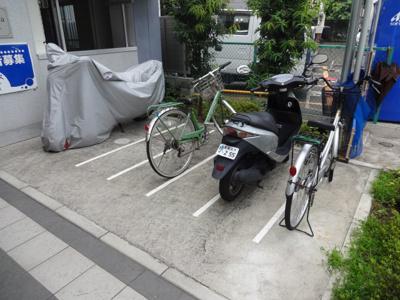バイク置き場・駐輪場
