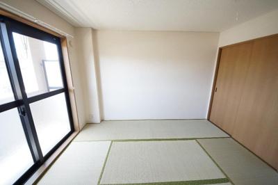 ハイ・ルミナスの和室