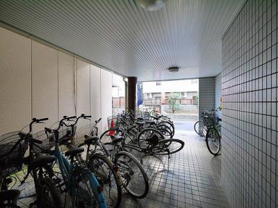 自転車置き場があります。