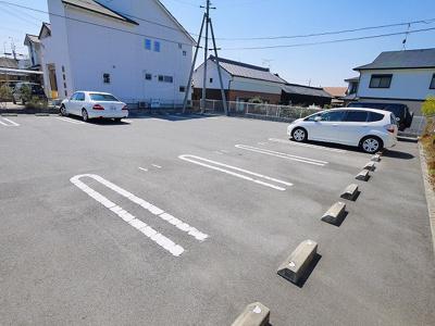 【駐車場】シュウメゾンB