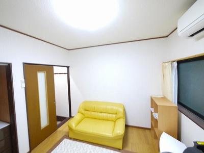【寝室】若草ビレッジ