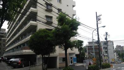 松見坂武蔵野マンションの外観です。