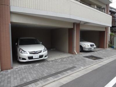 【駐車場】ニューシティアパートメンツ三ノ輪