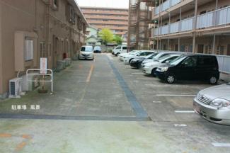 共用部 現在空きはありませんが周辺に月極駐車場がございます。