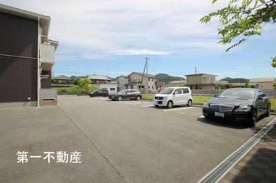 【駐車場】シャーメゾン高田井