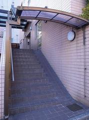 【エントランス】東五番館