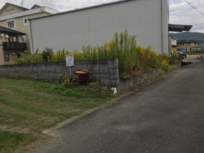 【前面道路含む現地写真】【売地】野上中学校区・55704