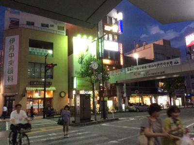 駅前バスターミナルから撮影(夜間)