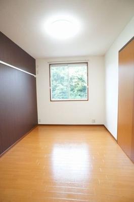 【寝室】サンライフヴィラ本宮 シャーメゾン