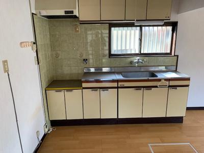 【キッチン】【中古戸建】東海南中学校区・51572
