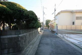 周辺は浜寺の閑静な住宅地です